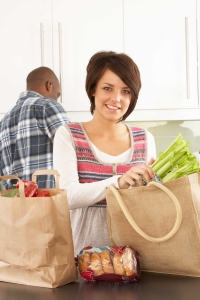 Couple_Groceries_TS_133783857